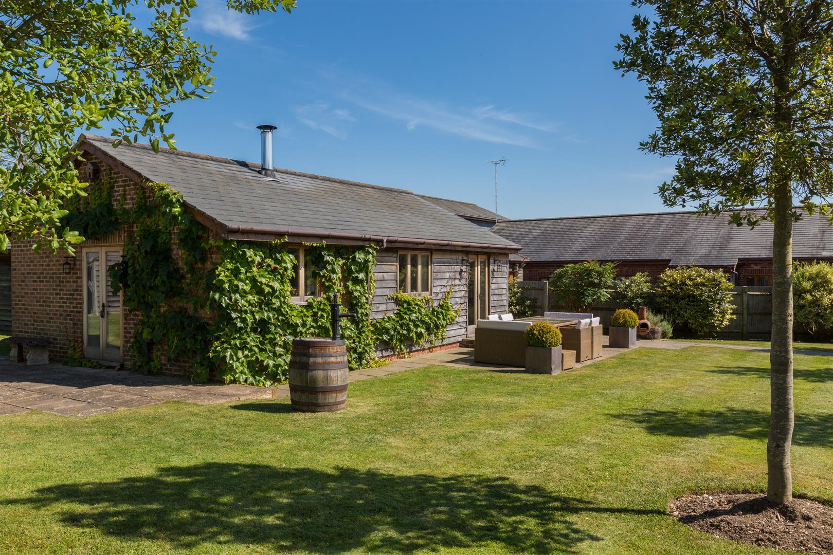3 bedroom detached cottage for sale